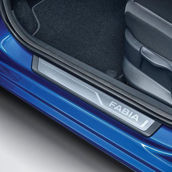 Škoda Fabia III - Prahové lišty s logem FABIA | Tuning-in.cz